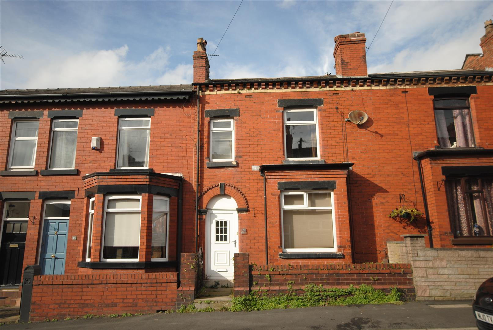 2 Bedrooms Terraced House for sale in Shaw Street, Swinley, Wigan
